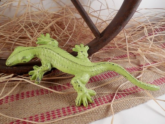 Cast Iron Vintage Inspired Lime Sherbert Gecko