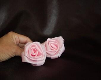 beautiful handspun ribbon roses