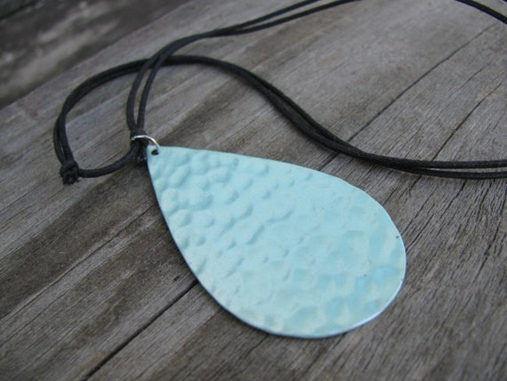 Mint Green Hammered Metal Upcycled Choker Necklace, Eco-Friendly Jewelry, Layering Necklace, Statement Necklace, Seafoam Green, Teardrop