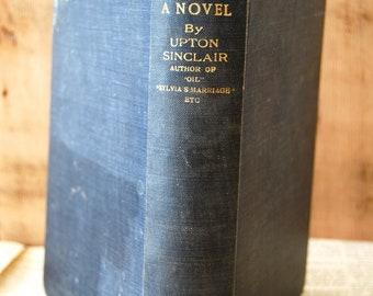 Vintage Book, Boston. A Novel by Upton Sinclair