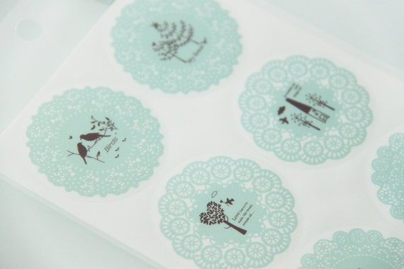 MINT GREEN - 10 Round Whimsical Lace Dollies Sticker Labels Seals. DIY. Gift wrapping. Weddings. 4.5cm