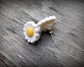 Vintage Daisy Button Post Earrings
