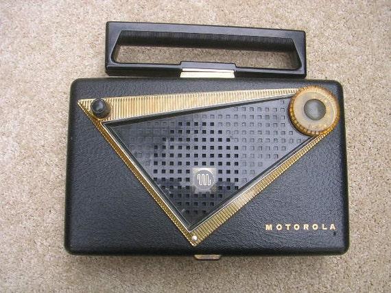 1955 motorola portable tube radio retro by tombstonetreasures. Black Bedroom Furniture Sets. Home Design Ideas
