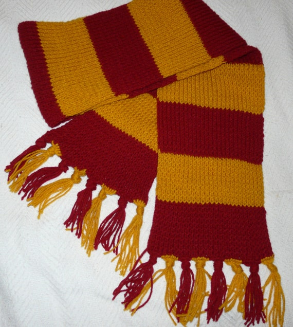 Knitting Pattern Gryffindor Scarf : Harry Potter Gryffindor knit scarf with tassels by AinsDesign