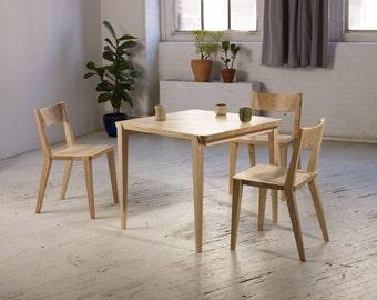 Oslo Breakfast Table