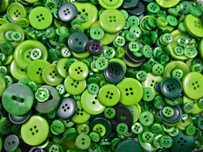 Item details - Green button ...
