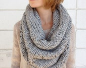 Chunky Infinity Scarf // Grey Marble