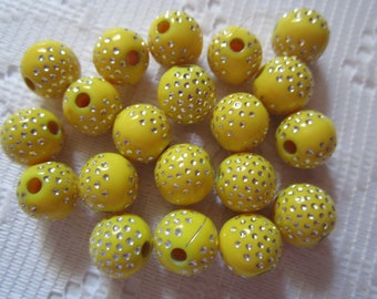 20  Yellow & Silver Polka Dotted Etched Round Acrylic Beads  10mm