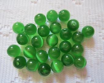 24  Shamrock Green Round Glass Cats Eye Beads  8mm