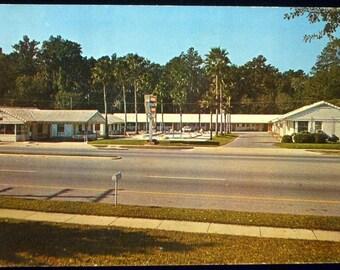 Frances' Patio Court Motel Jacksonville, Florida Postcard dated 1962