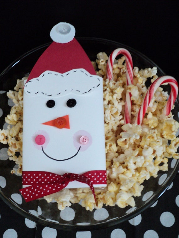 Items similar to SNOWMAN Popcorn Cover on Etsy