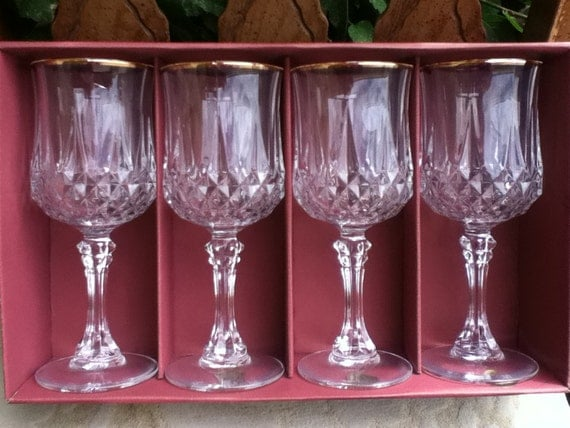 Vintage New In Box 24 Lead Crystal With Gold Trim Wine Glasses