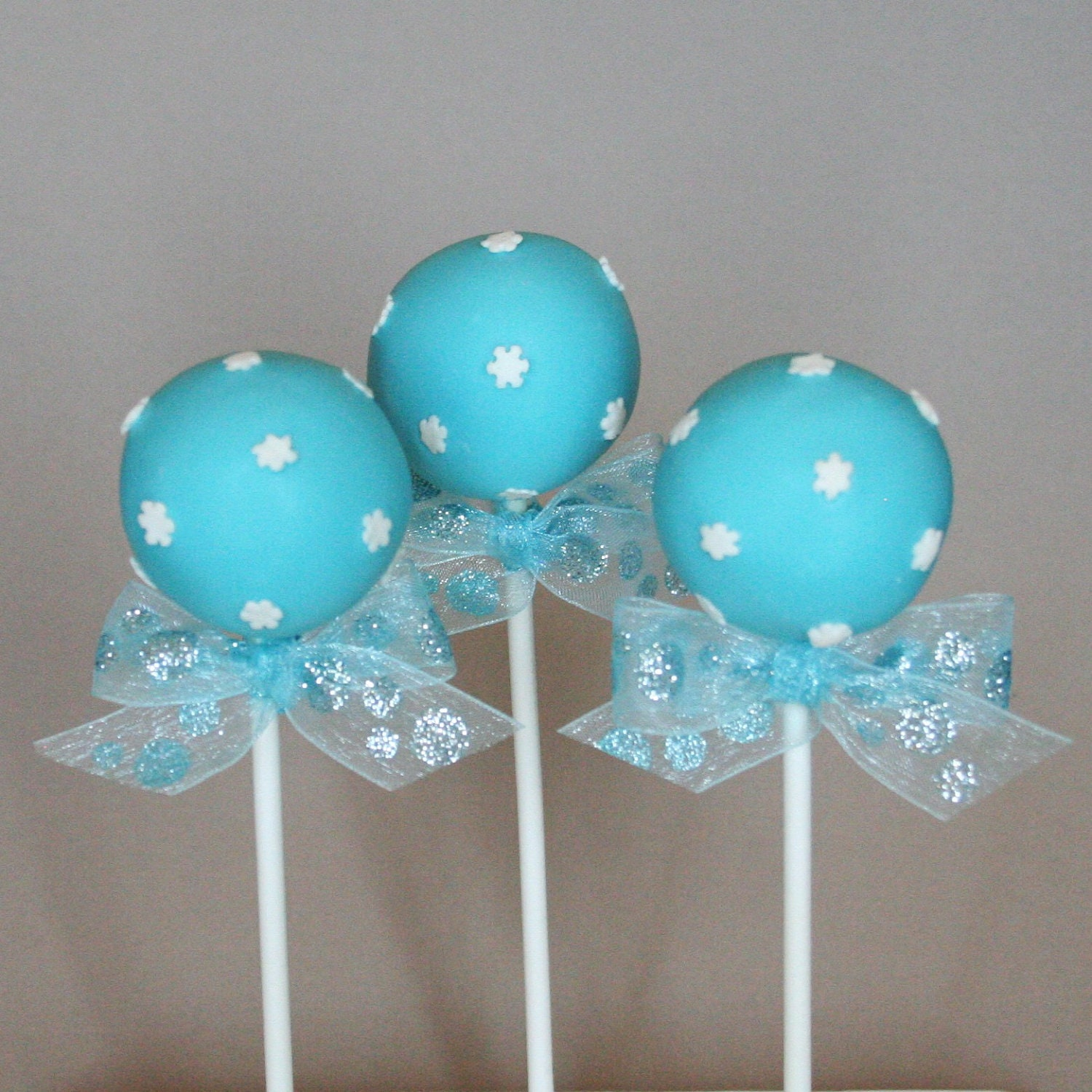 Images Of Frozen Cake Pops : Frozen Snowflake Cake Car Interior Design