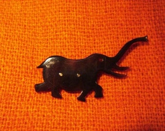 Elephant pin, tortoise shell, hand carved
