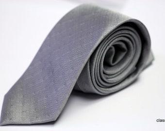 Silk Tie: Silver Paisley on Silver