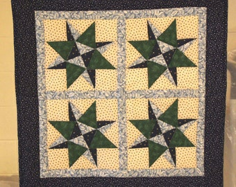 Blue Grass Star wallhanging