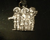 Pendant on black cable necklace, 3 mariachis, handmade