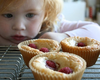 Almond Cakes with coconut and Raspberry 6 tr