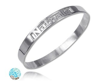 Personalized Engraved Bangle Bracelet in Sterling Silver 0.925