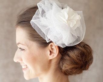 "Bridal Hair Fascinator, Wedding Veil Hairpiece - ""Estelle"""