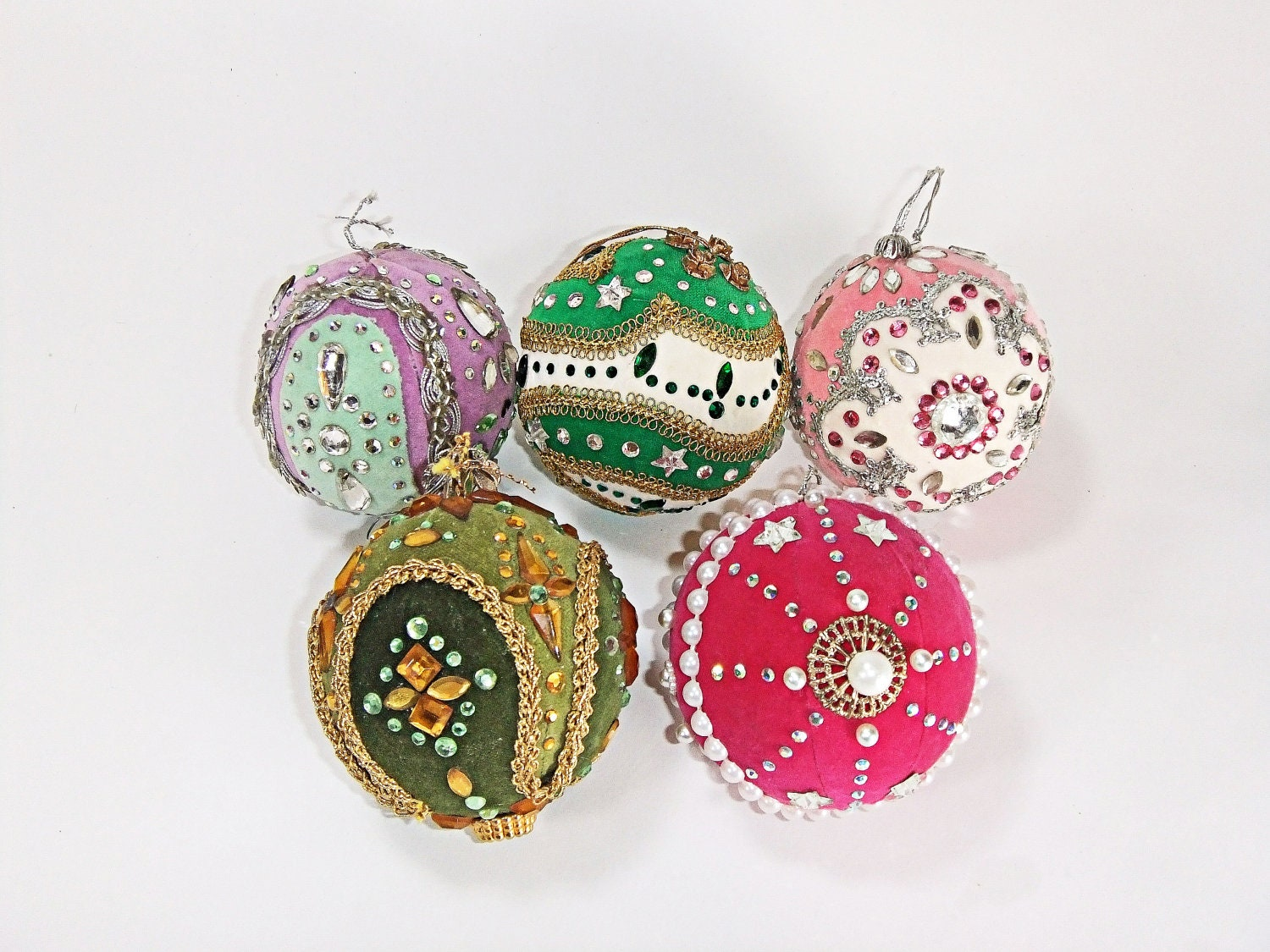 Unique vintage christmas tree ornaments by vintagehomefriend for Holiday christmas ornaments