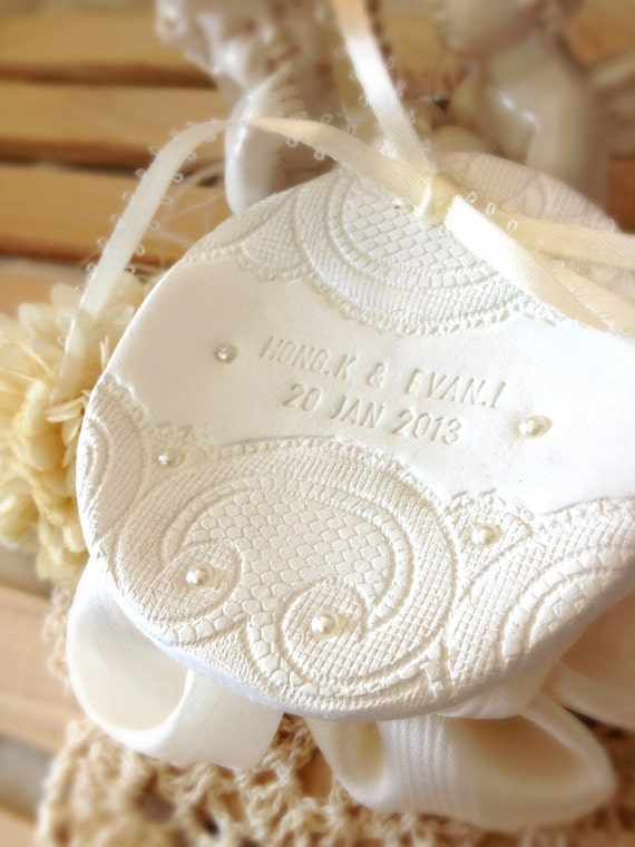 CUSTOM -  Personalized Round Wedding Ring Bowl with Lace & Pearl, Bridal Ring Holder Dish handmade Ring pillow alternative