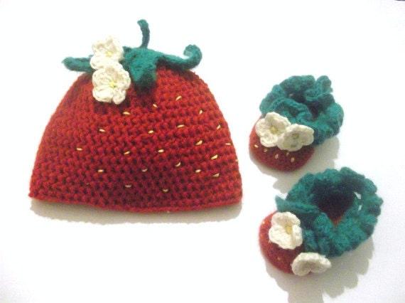 Newborn Strawberry Hat Crochet Pattern : CROCHET PATTERN Strawberry Set Beanie / Earflap by ...