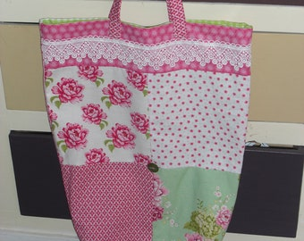 Pretty 100% hand-sewn floral cotton bag.