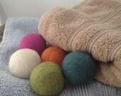 felt wool dryer ball / set of 3 dryer balls