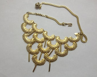 Signed Sarah Coventry Vintage Necklace