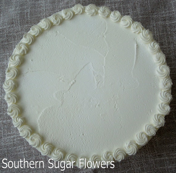Items similar to Royal Icing Borders for cake decorating ...
