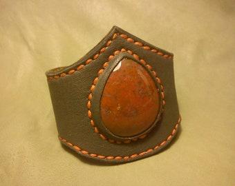 """Grey leather cuff with big blood jasper cabochon : """"Kali"""""""
