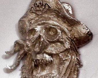 Pirates Skull               hand carved  New Design