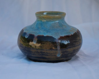 Bud Vase in Opal and Tiger's Eye (light blue and brownish black)
