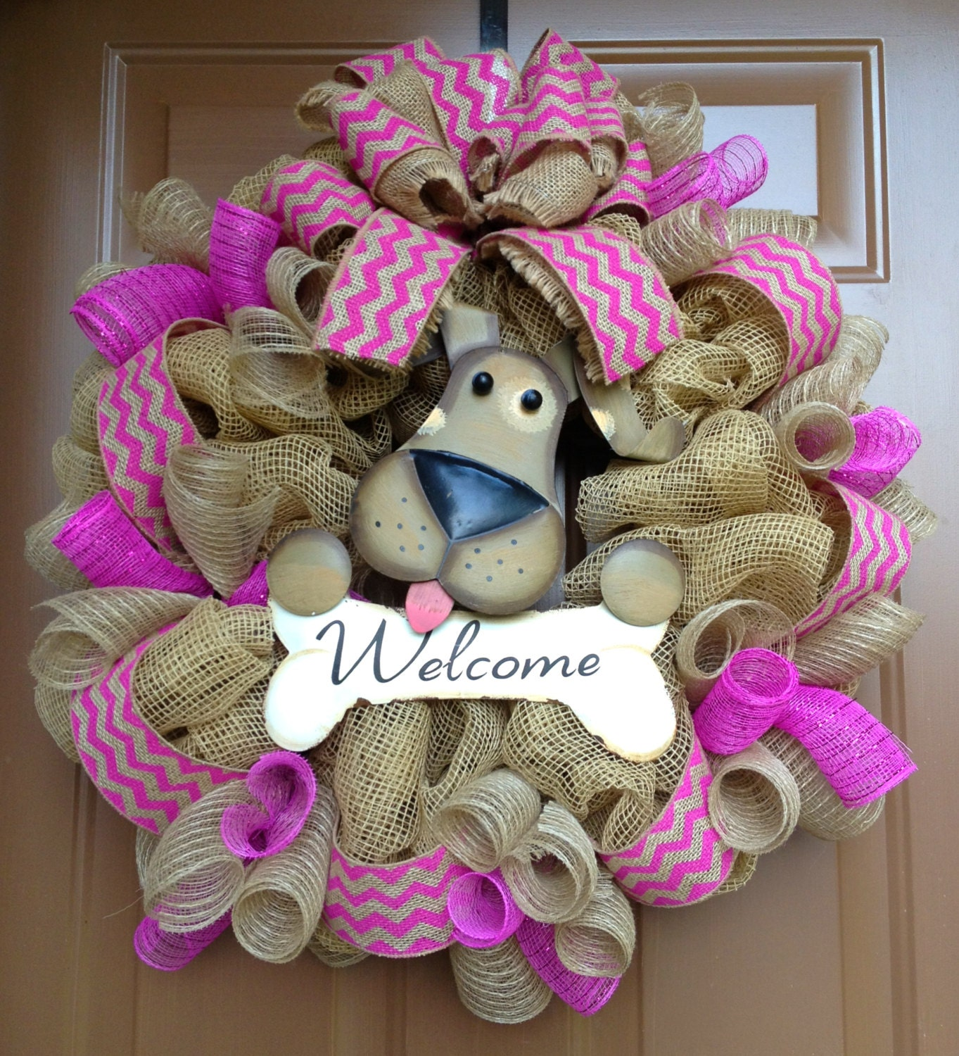 Crafts For Dog Lovers: Welcome Mesh Wreath With Dog