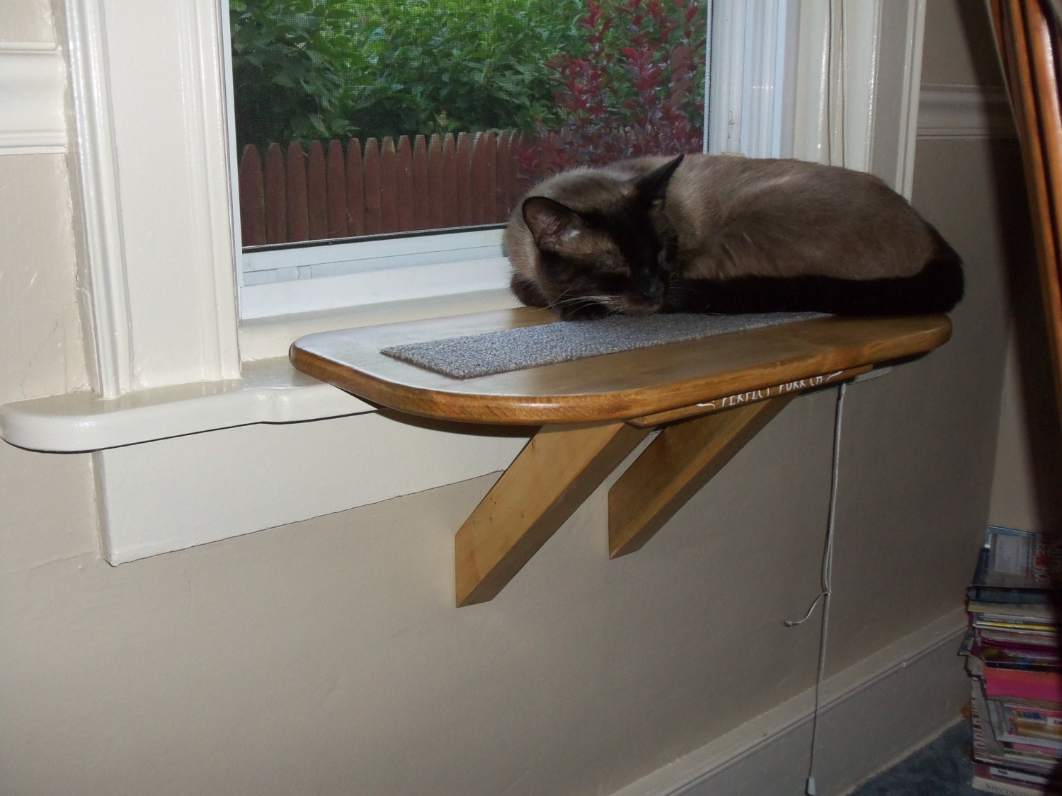 Perfect Perch Cat Window Seat Bed Bench Scratching Pad Wooden