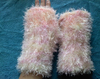 Fingerles Gloves, SOFT and FLUFFY ARM Warmers, Tinsel Yarn Hand Knitted Fingerless Gloves, Stylish Arm Warmers, Fall Gloves, Women Gloves