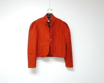 THAT'S IT . 1970s vintage red quilted light jacket . large to extra large