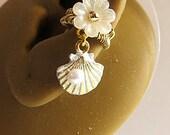 Simple Pearl Seashell Ear Cuff Nautical Ocean Sea White Flower Sweet Feminine