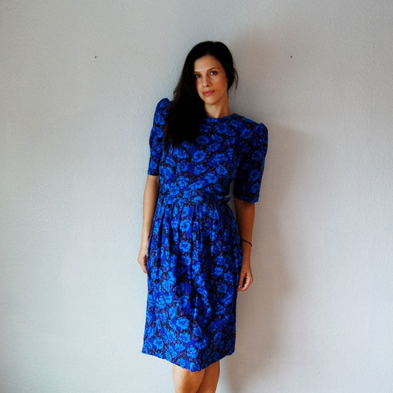 vintage FLORAL dress /  1980s does 1940s BLUEBERRY puff sleeve dress