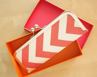 Chevron Wallet - Kisslock Clutch Wallet - Coral and White Chevron Slim Kisslock Frame Wallet