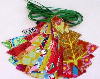 Christmas in July, Tree Garland, Double Sided, Traditional Green ties