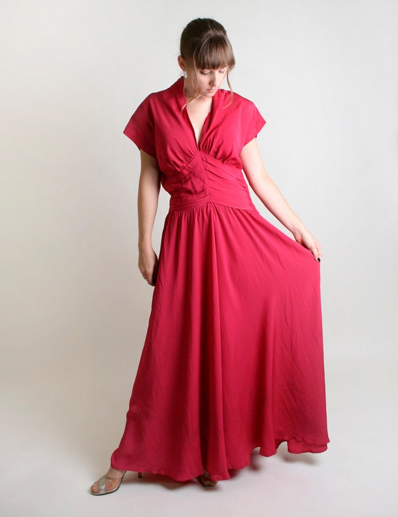 1940s Evening Gown in Magenta Pink - Deep Plunging Neckline - Large