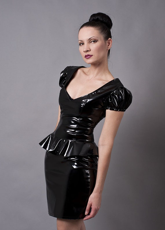 black pvc pencil skirt with metal zipper small by
