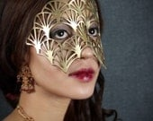 Fan leather mask in gold - Queen Esther