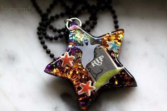 Halloween Jewellery - Haunted Empty Grave Halloween Night Resin Glitter Big Star Ghost Necklace - resin jewelry handmade by isewcute