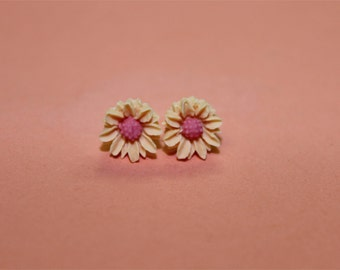Tiny Creamsicle and Pink Daisy Earrings