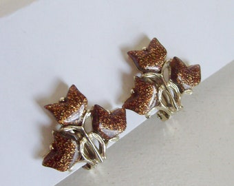 Vintage brown lucite confetti gold glitter clip on earrings thermoset plastic tulip