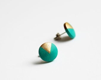Geomeric stud earrings with gold triangle motif - emerald green, gold - minimalist, modern hand painted wooden jewelry