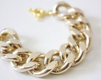 Oversize Chunky Gold Chain Bracelet